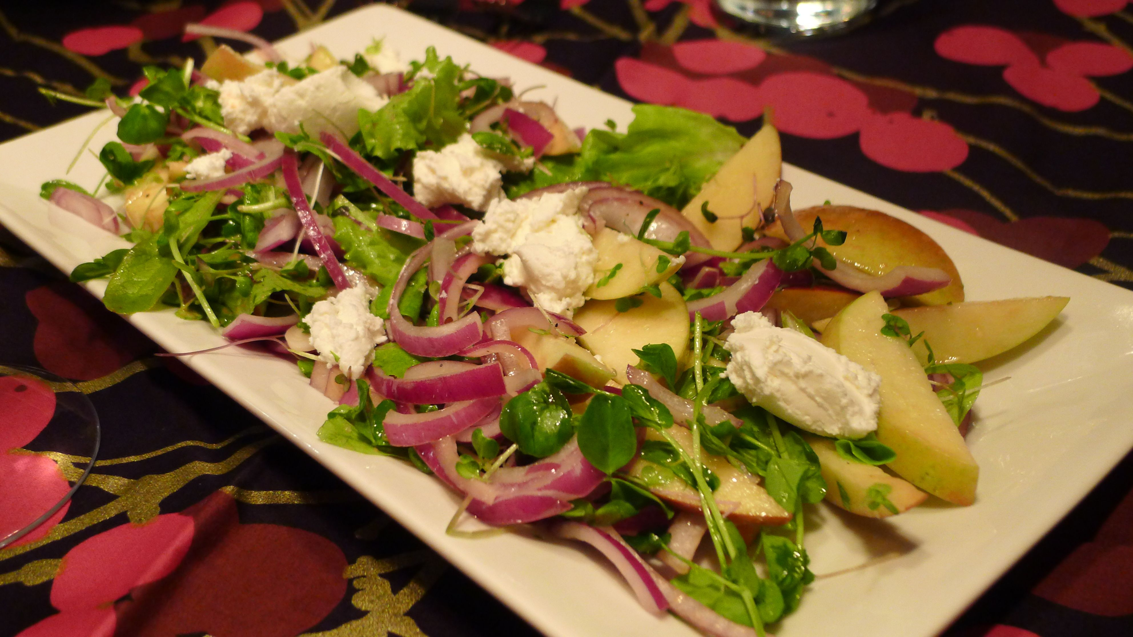 Interim Salad with Apples Red Onion and Goat Cheese Itu0027s So Hard to Say Goodbye to Cold Storage Fruits and Vegetables & Interim Salad with Apples Red Onion and Goat Cheese: Itu0027s So Hard ...